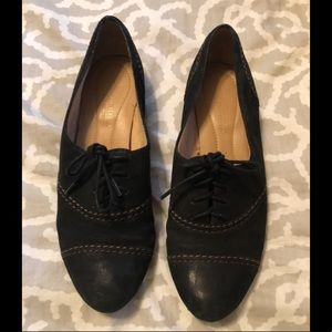 Black with brown thread flats with ties